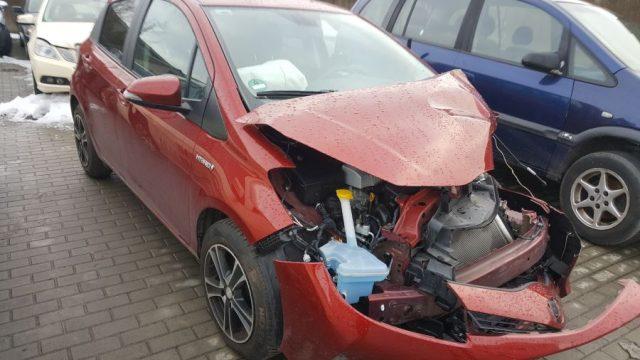 Toyota Yaris, 1.5l Elektra, Sedanas 2014m